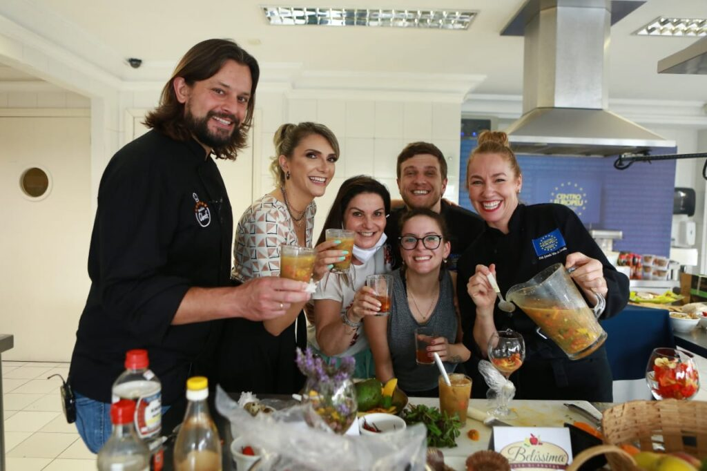 Equipe Você é o Chef reality de culinária da RIC TV RecordTV